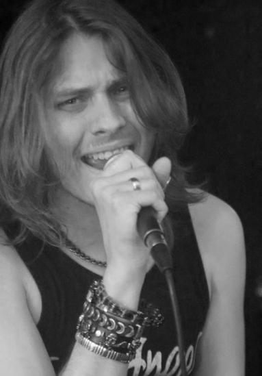 Craig Wells Vocals